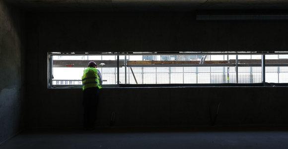 Darbo inspekcija: daugėja nelegaliai dirbančių užsieniečių