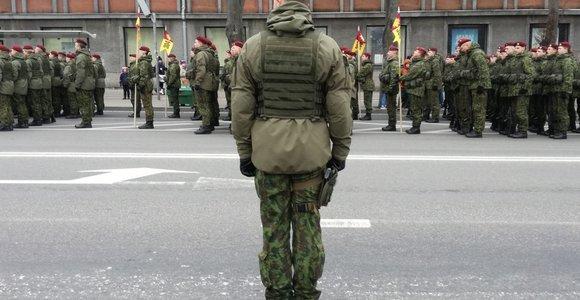 Kariuomenei 100: karinis paradas Klaipėdos gatvėmis