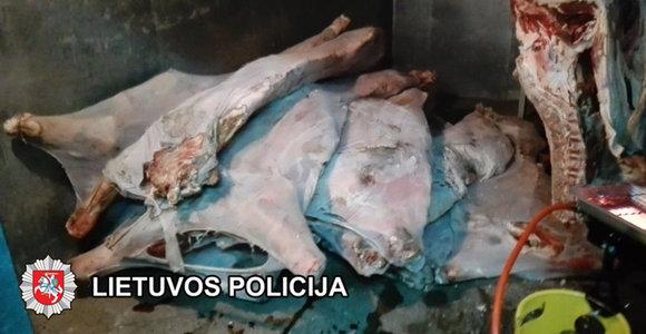 Pareigūnai baigė tyrimą: iš Egipto į Lietuvą – pasibaigusio galiojimo mėsa
