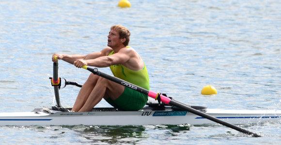 Irkluotojas Mindaugas Griškonis tęsia kovą dėl medalio – pateko į olimpiados pusfinalį