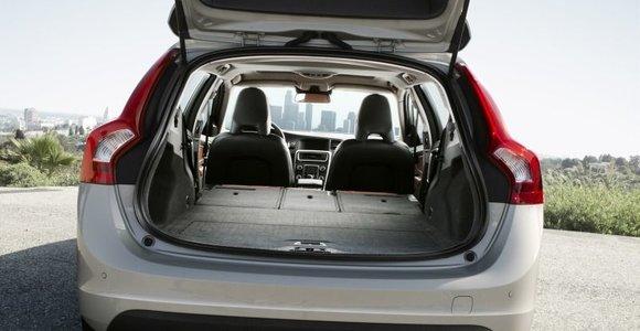 """Vyrą """"Volvo"""" bagažinėje į mišką prie Raseinių vežę reketininkai išgirdo nuosprendį"""