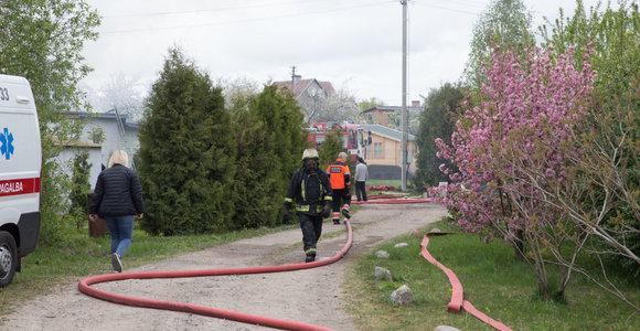 Neįprasta istorija Bernatonių kaime: Antanas iškvietė ugniagesius anksčiau, nei kilo gaisras