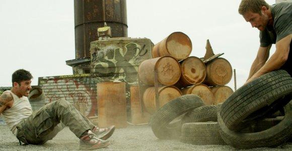 """Filmo """"13 rajonas: plytų rūmai"""" premjera Lietuvoje gegužės 16d."""