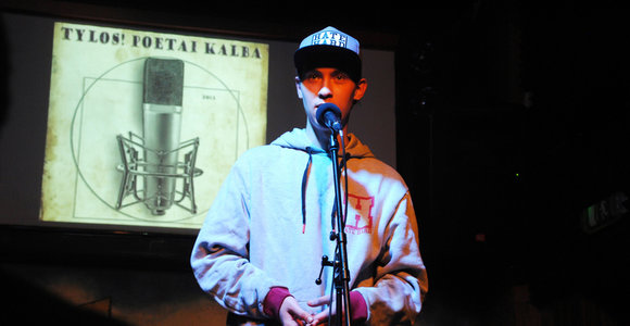 """""""Brodvėjaus"""" pube įvyko netradicinis poezijos vakaras"""