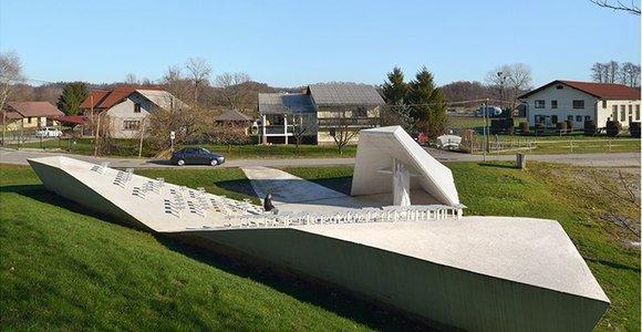 Baltoji architektūra: Slovėnijos kaimelis demonstruoja aukštą kultūrą