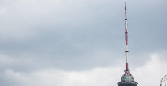 Dėl smarkaus vėjo Trispalvė į Vilniaus TV bokštą nebus keliama