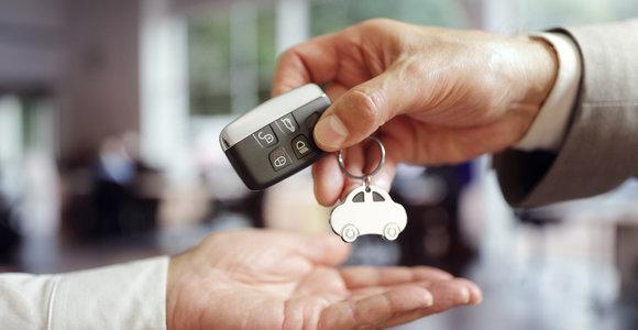 Kaip nesuklysti perkant naudotą automobilį Europos aukcionuose?