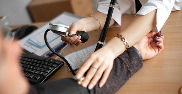 Darbuotojai sveikatos nesitikrina – dirba, kol organizmas pradeda byrėti