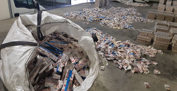 Kontrabandinių rūkalų Lietuvoje šiemet aptikta triskart daugiau: vertė siekia 11 mln. eurų