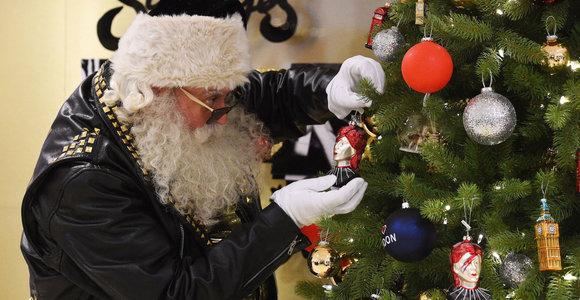 Kalėdos vasarą: likus 145 dienoms iki žiemos švenčių atidaryta kalėdinė krautuvė