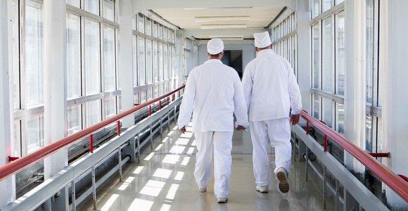 Atominės elektrinės darbuotojai skundžiasi: įmonė siųs į prastovas, neužtikrina pavežimo į darbą