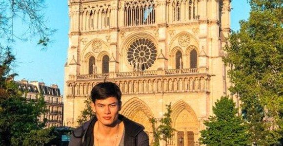 Modelis Simonas Pham Paryžiuje