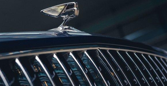 """Prabangių automobilių gamintoja """"Bentley"""" Jungtinėje Karalystėje atleis 1 000 darbuotojų"""