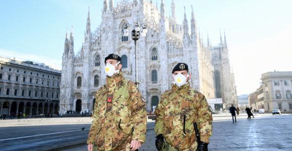 Sicilijoje pastebėta karinė technika su koronaviruso protrūkiu nesusijusi