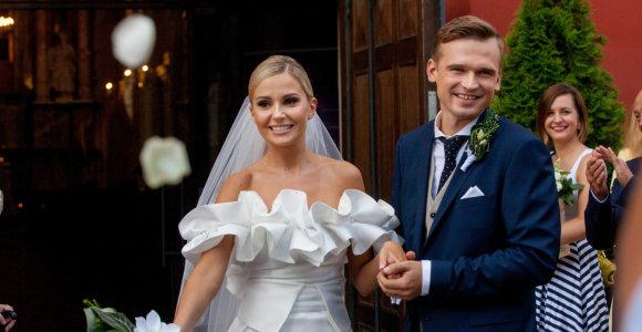 """Laura ir Rytis Žvaguliai pasidalijo nuostabiu vestuvių filmuku: """"Myliu pačia stipriausia meile"""""""