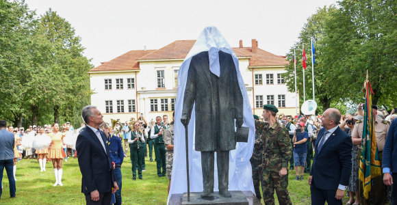 Vyriausybė pritarė: paminklą Antanui Smetonai statys intensyvioje Vilniaus vietoje