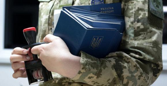 Ukraina supaprastins pilietybės suteikimo tvarką persekiojamiems rusams