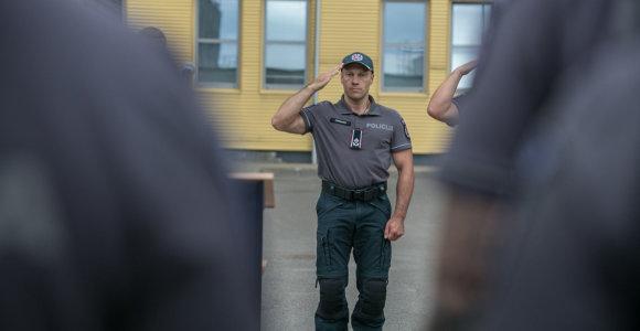 Vyriausybė spręs, ar teikti prezidentui siūlymą atleisti policijos vadą L.Pernavą
