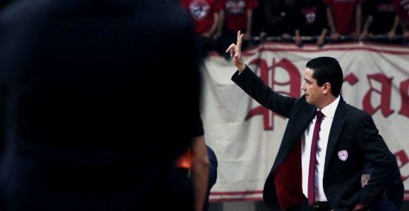 """Triukšmingai į Kauną išlydėtam """"Olympiakos"""" treneriui viena lietuviška pavardė kelia šypseną"""