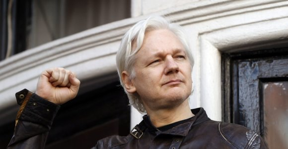 Advokatai: Ekvadoras ketina perduoti JAV J.Assange'o daiktus