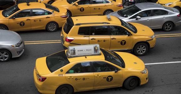 Niujorkas privalės sumokėti 810 mln. JAV dolerių įsiskolinusiems taksi vairuotojams
