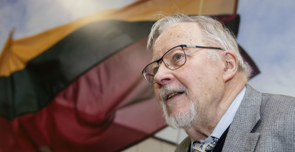 """V.Landsbergis prisiminė, kaip įsižeidė SSRS gynybos ministras D.Jazovas: nesuprato """"mažųjų"""" norų"""