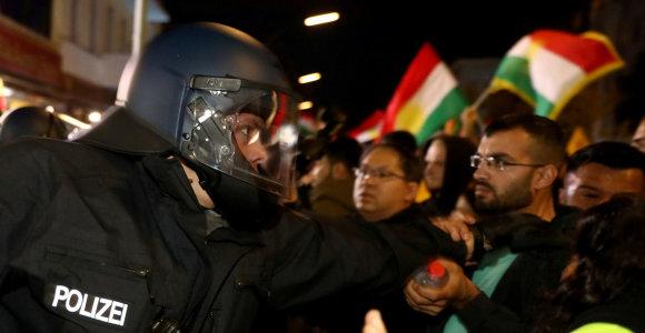 Vokietijos vakaruose per kurdų ir turkų susirėmimus nukentėjo penki žmonės