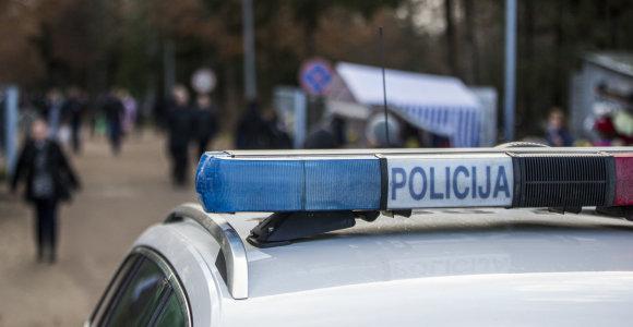 Automobilyje Giruliuose rastas 21-erų metų jaunuolio kūnas