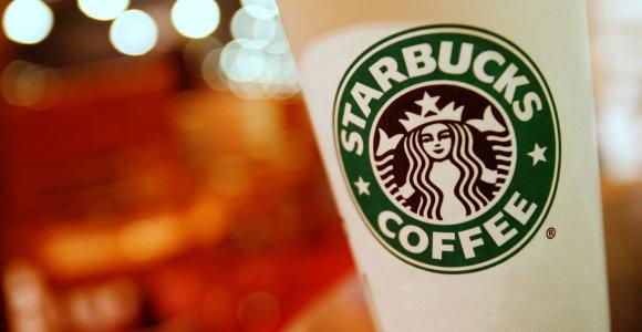 """""""Starbucks"""" pasiūlys Gatviko oro uosto keleiviams rinktis daugkartinius puodelius"""