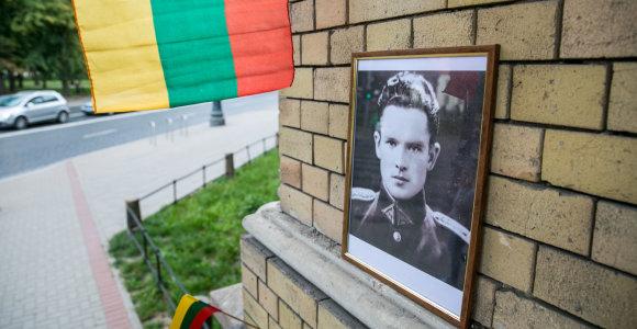 Jono Noreikos gerbėjai derina naujos atminimo lentos Generolui Vėtrai kabinimą