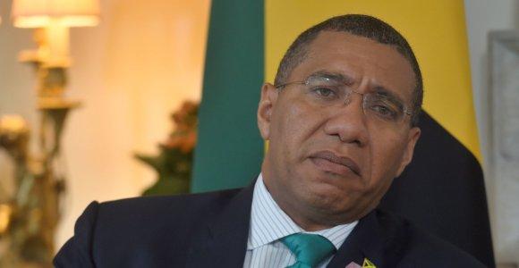 Jamaikos valdančioji partija švenčia triuškinančią pergalę rinkimuose