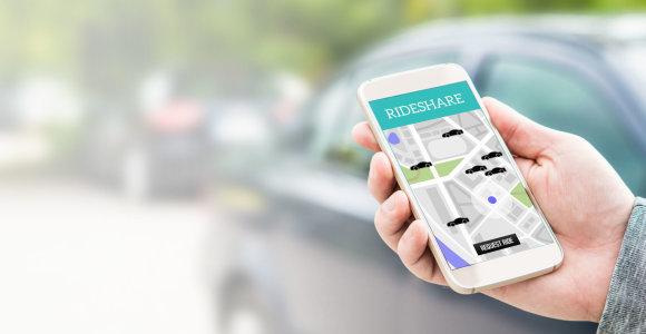 Pavežėjų veikla sugriežtinta: kieno automobiliais veš klientus?