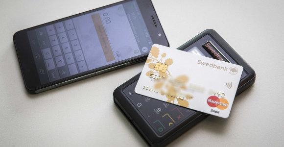 Kas trisdešimtas žino mokėjimo kortelę kaip nuluptą
