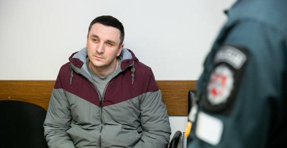Į lošimus įklimpusios radijo žvaigždės teismas nepagailėjo: už sukčiavimą kalės 3 metus