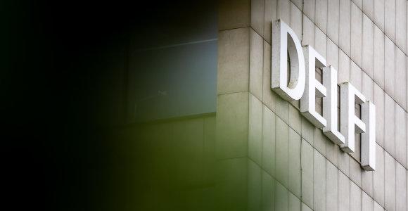 """""""Delfi"""" savininkė atlyginimus mažina penktadaliu"""