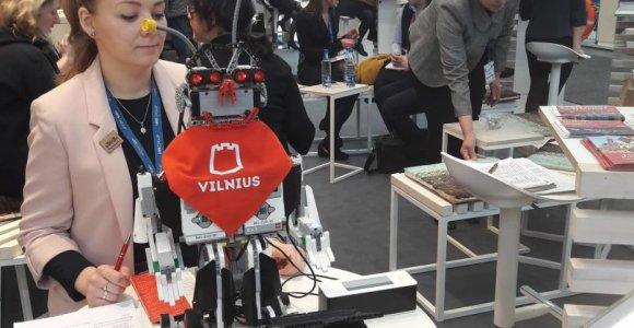 """Vilnių Berlyno turizmo parodoje """"ITB"""" pristato robotas"""