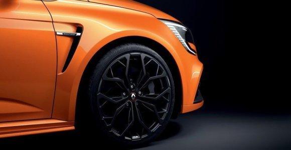 """""""Renault"""" atnaujino """"Megane"""" modelių gamą – taip pat ir """"R.S. TROPHY"""""""