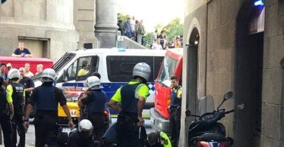 """Lietuvė, nufotografavusi įtariamojo sulaikymą Barselonoje: """"Baisu išeiti iš namų"""""""