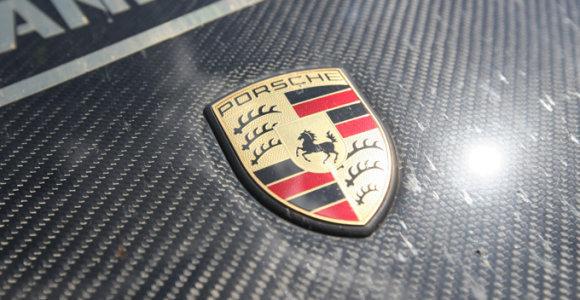 """Vokietijos prokurorai atliko kratas """"Porsche"""" būstinėje Štutgarte"""