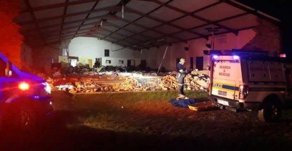 PAR įgriuvus bažnyčios stogui žuvo 13 žmonių