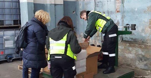 Tarptautinės operacijos metu Lietuvoje muitininkai sulaikė 335 tūkst. padirbtų saldainių