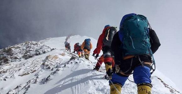 Everesto regione uždrausta naudoti vienkartinius plastikinius gaminius
