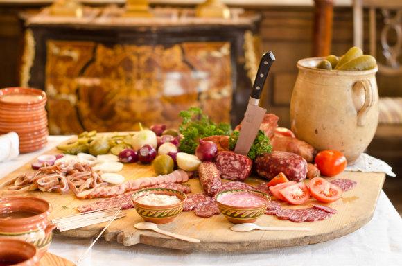 Bernelių užeiga, vienintelis restoranas Lietuvoje, kuriame galima paragauti net 43 tautinio paveldo patiekalus