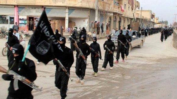 """""""Scanpix""""/AP nuotr./""""Islamo valstybės"""" džihadistai Rakoje"""