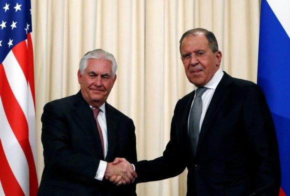 """""""Reuters""""/""""Scanpix"""" nuotr./Rexas Tillersonas ir Sergejus Lavrovas"""