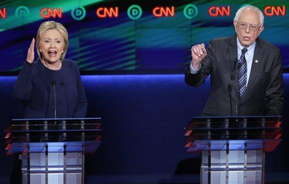 """""""Reuters""""/""""Scanpix"""" nuotr./Hillary Clinton ir Bernie Sandersas"""