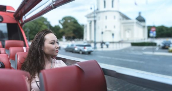 """""""Go Vilnius"""" nuotr./Ekskursija po Vilnių atviru autobusu"""