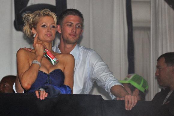 Vida Press nuotr./Paris Hilton ir Conradas Hiltonas