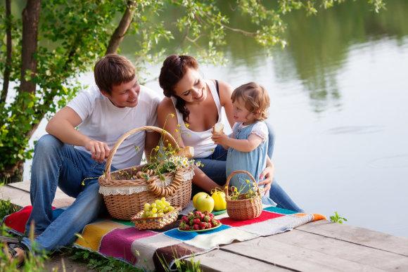 Shutterstock nuotr./Šeima iškylauja.
