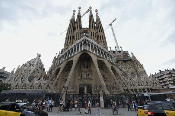 """AFP/""""Scanpix"""" nuotr./La Sagrada Familia katedra"""
